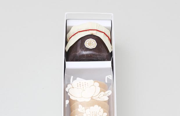 滋賀県のもち米「羽二重」を使った最中の皮。京都「あのん」のあんぽーね