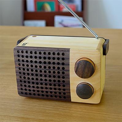 木でできたラジオ。IKoNO++