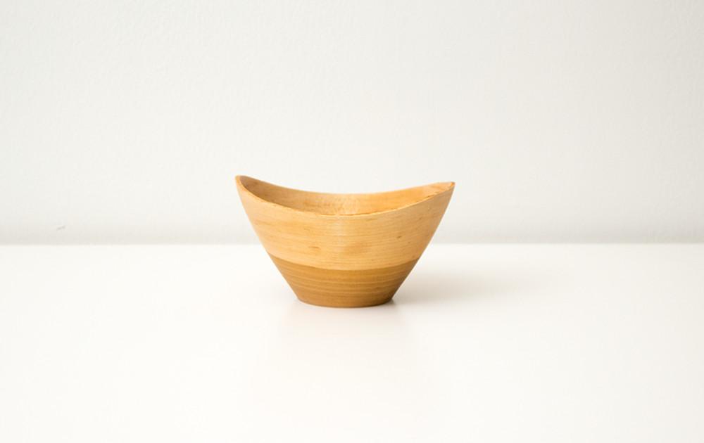 木目のコントラストが美しい、ソメイヨシノの器