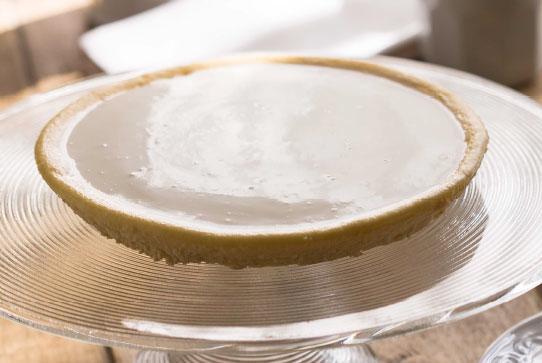 湖面のような美しさ。デンマークの最高級チーズを使ったチーズケーキ「日瑠華(ニルバーナ)」(栃木)