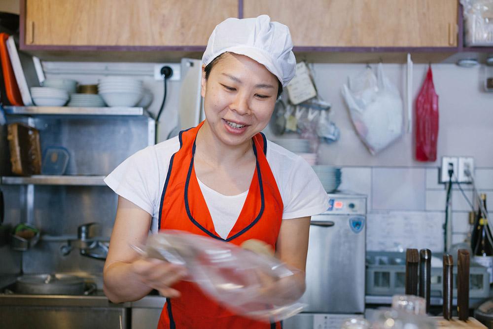 お話を伺ったのは店主の按田優子さん。