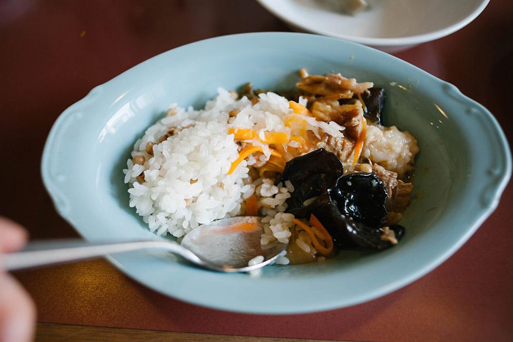 4種の水餃子にぷるぷるラゲーライス「按田餃子」の気になるメニューを食べてみました。