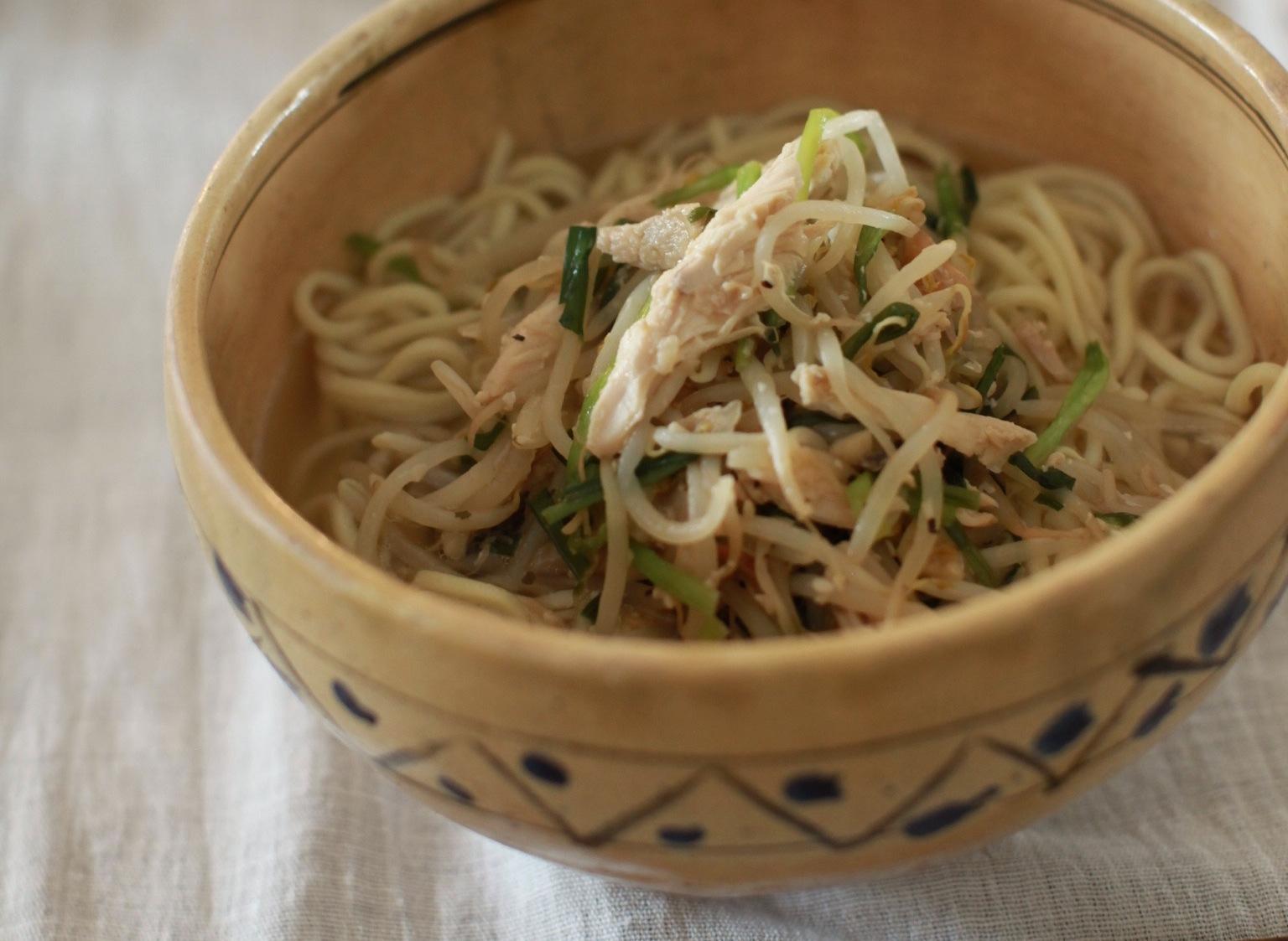 夏にぴったりチキンとにんにくの麺【レシピ】ブエノチキンの沖縄そば