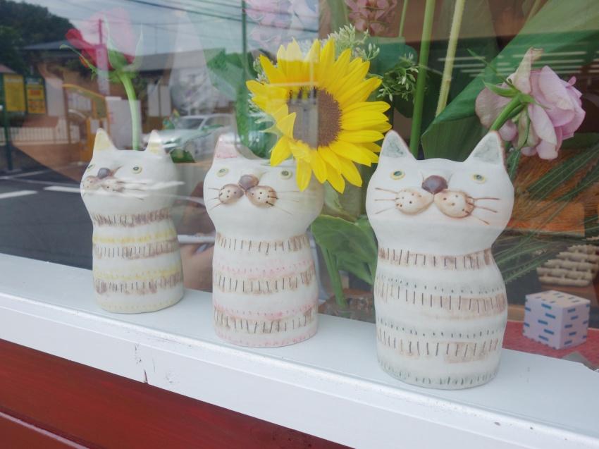 3匹の猫は草舟kusafuneさんによる陶芸作品
