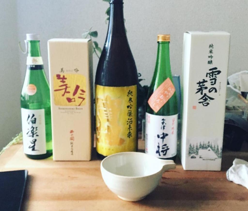 持ち寄った日本酒で...