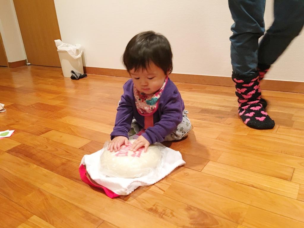 一歳になった甥っ子を一升餅でお祝いしました