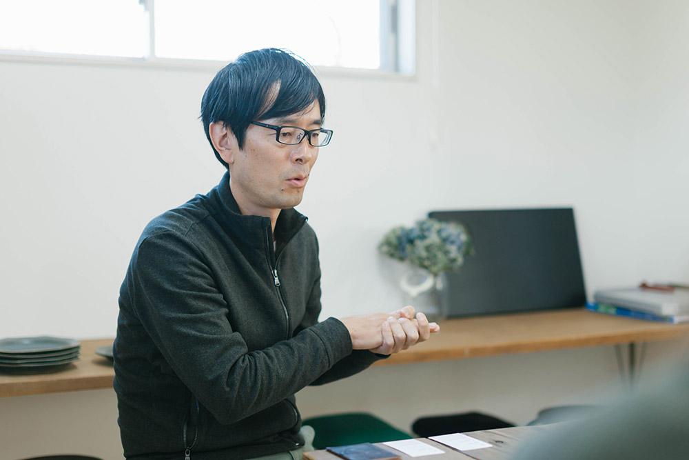 代表の吉澤泰久さん。