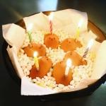 ひよこにローソクを刺してお誕生日をお祝いしました